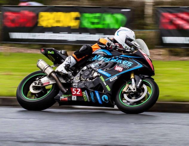 Rob-Barber-racing-motorbike-TTP-HARD